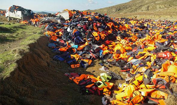 Los chalecos salvavidas en Lesbos