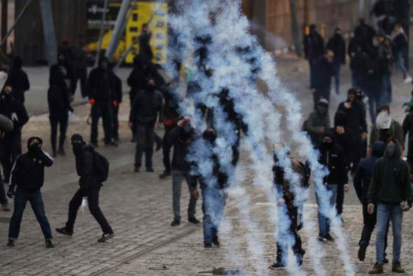 Anti-Front National protestors in Paris