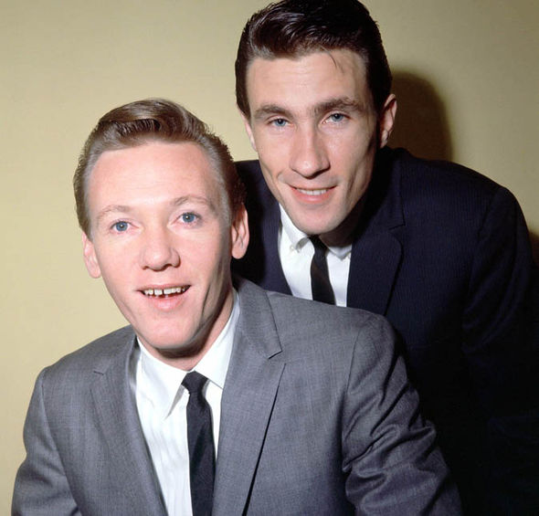 THE RIGHTEOUS BROTHERS - BILL MEDLEY AND BOBBY HATFIELD