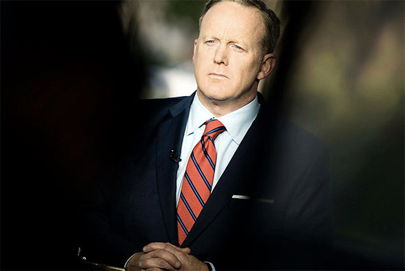 Sean Spicer issuing the apology