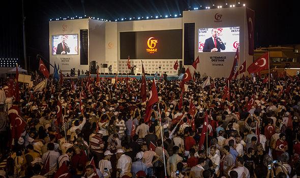 Turkey war threat Germany: Rally in Turkey