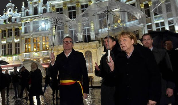 Angela Merkel arrives for her degree presentation in Brussels