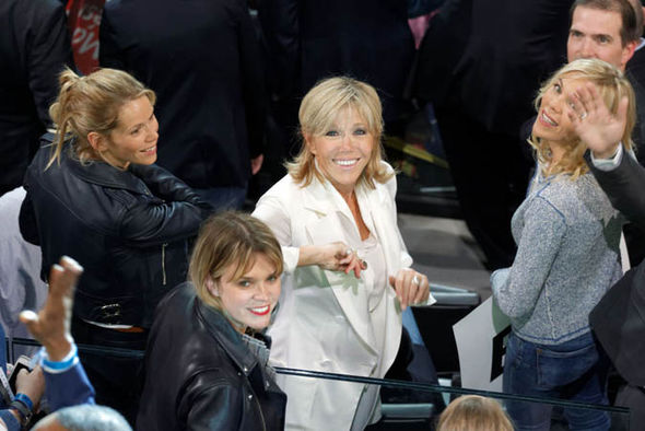 Brigitte Trogneaux and her daugthers