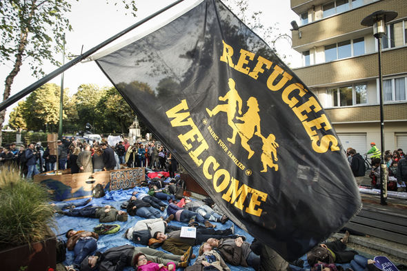Refugees welcome sign