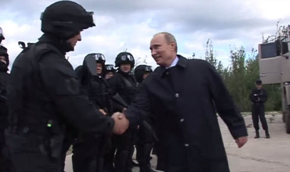 Vladimir Putin meets troops from the Spetsnaz unit