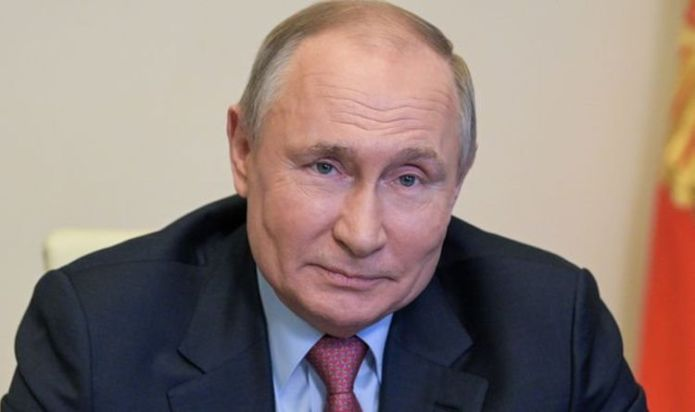 Vladimir Putin 'behind' UFOs seen in Pentagon footage claims US Senator