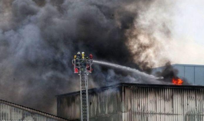 Hamburg fire: Blaze erupts at Tiefstack Power Station - Alarm triggered as flames hit roof