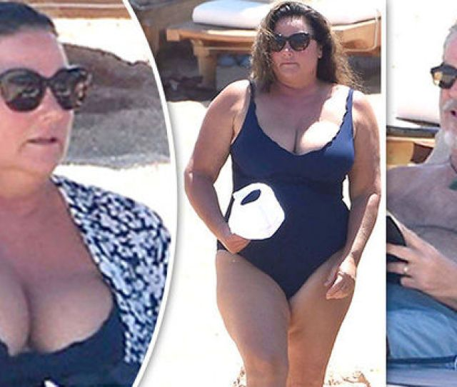 Pierce Brosnan Wife Keely Keely Shaye Smith Swimsuit Beach Cleavage