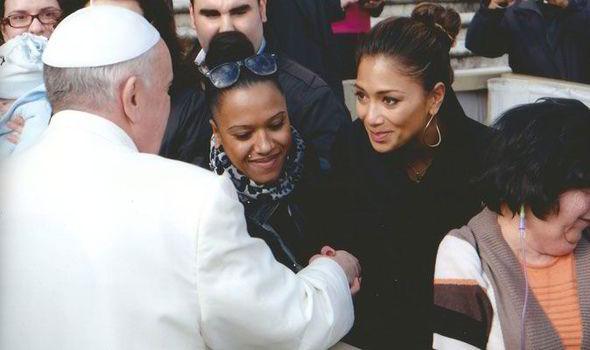 Pope Idol Moment Nicole Scherzinger And Lewis Hamilton