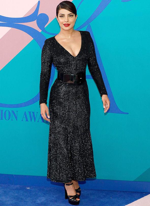 CFDA Awards 2017 Priyanka Chopra cleavage black dress