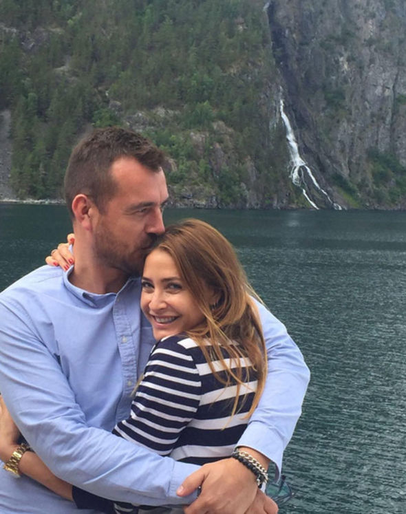 Lisa Snowdon engaged George Smart