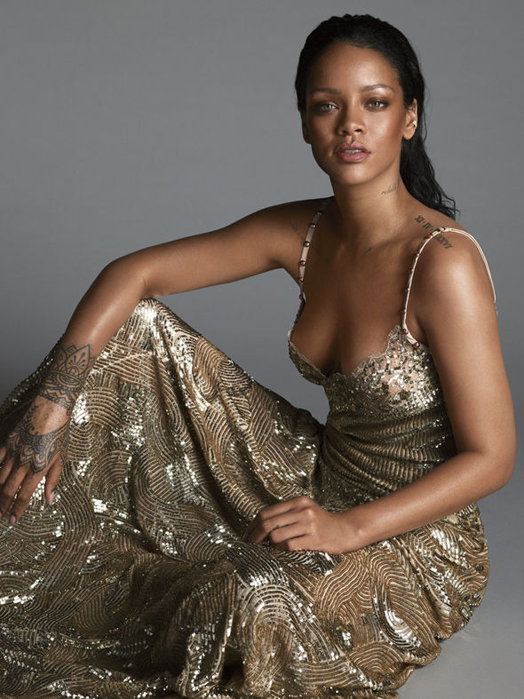 https://i2.wp.com/cdn.images.express.co.uk/img/dynamic/79/590x/secondary/Rihanna-in-gold-sequin-gown-491985.jpg?w=620