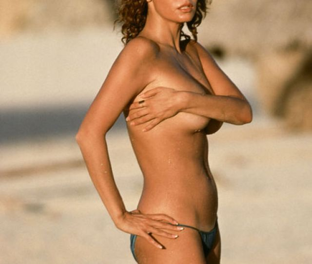 Raquel Welch Sets Pulses Racing As She Strips Topless For X Rated