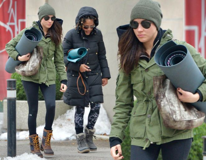 Meghan Markle heads to yoga class with mum
