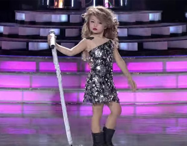 A video of 7-year-old Xia Vigor performing Taylor Swift song on Philippines talent show went viral and attracted criticism for sexualising children