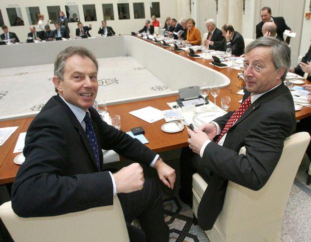 Britain's Prime Minister Tony Blair (L)