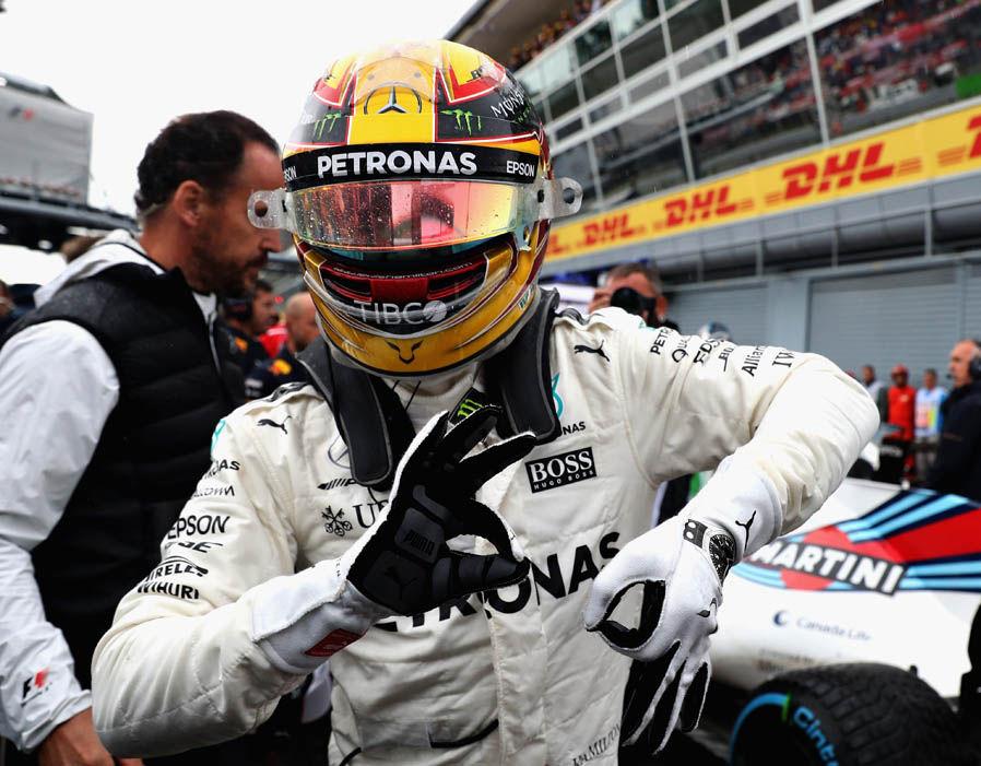 Lewis Hamilton festeggia la sua 69° pole position in Formula 1 al termine della Q3 del GP d'Italia. Foto: Getty Images.