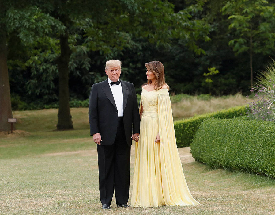 Donald and Melania Trump leave for dinner at Blenheim Palace  Theresa May draws on Winston Churchill to honour Donald Trump during UK visit | Politics | News 384258