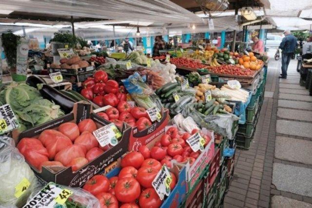 Pomidory z bazaru drogie, kalafior jeszcze bardziej.