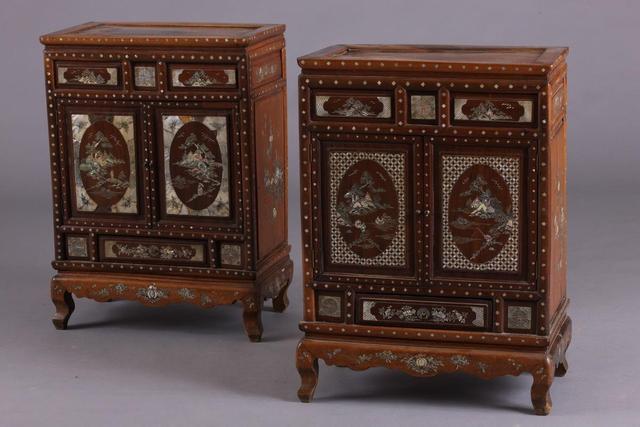 Indochine fin du XIXème siècle - Paire de cabinets ouvrant par deux
