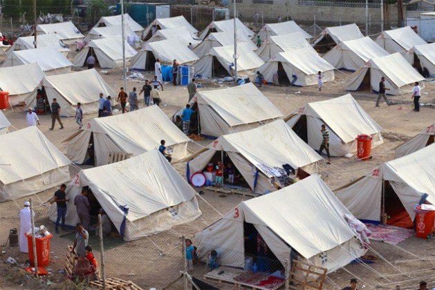 A view of an IDP camp in Al-Jamea, Baghdad, where 97 families from Anbar Governorate have found temporary shelter. Photo: ©UNICEF Iraq/2015/Khuzaie