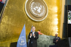 UN Secretary-General Ban Ki-moon applauds during a High-level Event on the Entry into Force of the Paris Agreement. Credit: UN Photo/Rick Bajornas