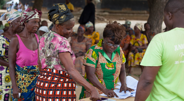 Cash transfers... are they more than just hand-outs?. Photo: FAO
