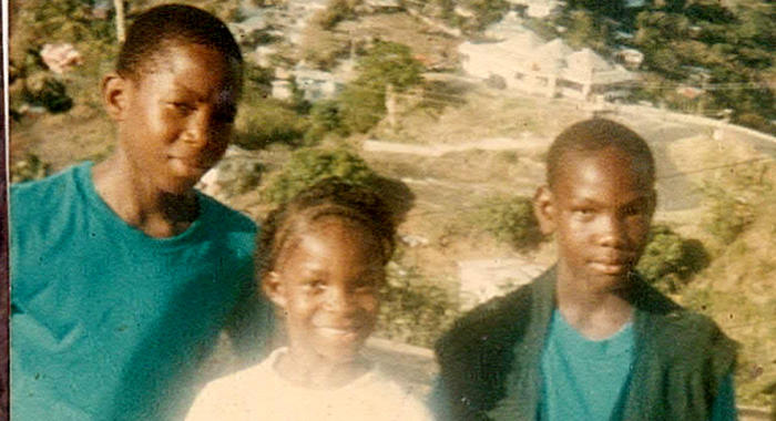 Nick, Right, Along With His Sister, Nakeisha (&Quot;Krislyn&Quot;), And Brother Kenton During A Family Trip To Fort Charlotte.