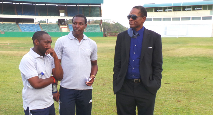 Svgff President Venold Coombs, Left. In Post Match Discussion With Coaches Coneilus Huggins And Wade &Quot;Elbir&Quot; Jackson. (Photo: E. Glenford Prescott/Iwn)