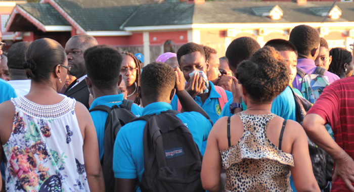 Members Of The Grammar School Young Leaders Group Cry At The Grenadines Wharf On Saturday. (Iwn Photo)