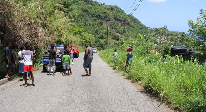 Onlookers At The Scene Of The Accident. (Iwn Photo)