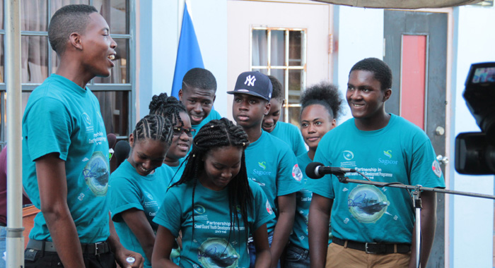 Participants Sing At The Closing Ceremony. (Iwn Photo)