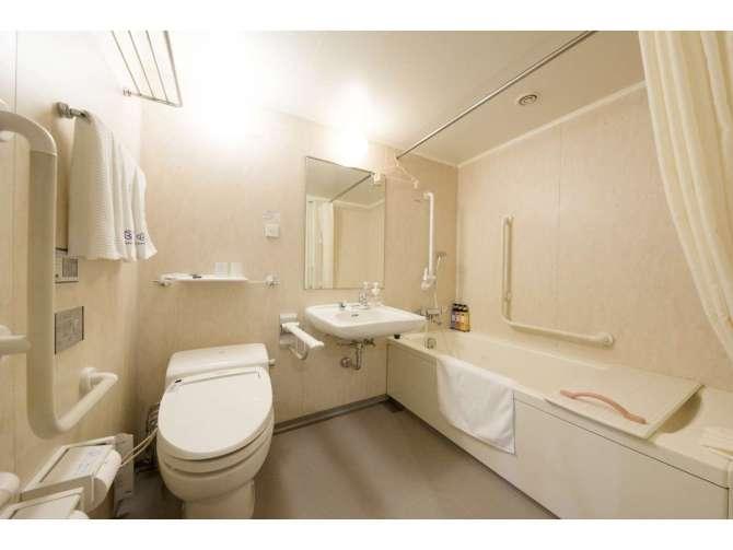 ダイワロイネットホテル金沢 ユニバーサルツインルームのバスルーム