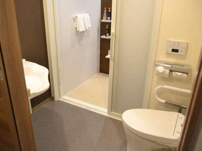 ベストウェスタン東京西葛西グランデのユニバーサルツインのトイレ