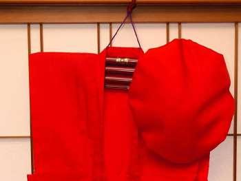【下田大和館】還暦のお祝に 赤いちゃんちゃんこの無料貸し出し