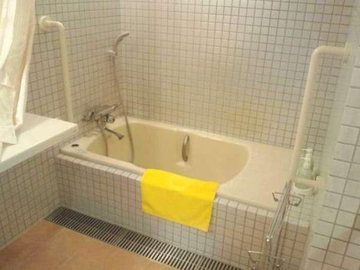 【ホテルふせじま】バリアフリー対応和洋室のバスルーム