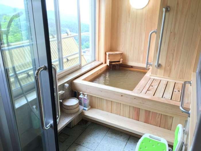 【森秋旅館】温泉付きバリアフリー客室【峰月】の客室温泉風呂