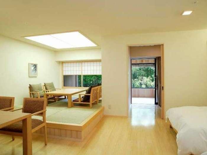 【ホテルはつはな】ひのき風呂付き和洋室ユニバーサルスタイル