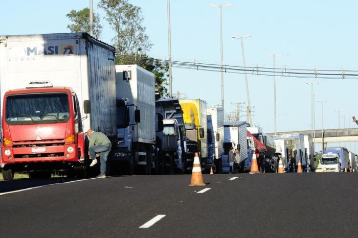 Resultado de imagem para stf e caminhoneiros