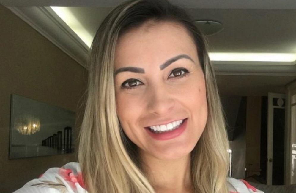 Andressa Urach reclama de não poder ir à igreja | Jornal de Brasília