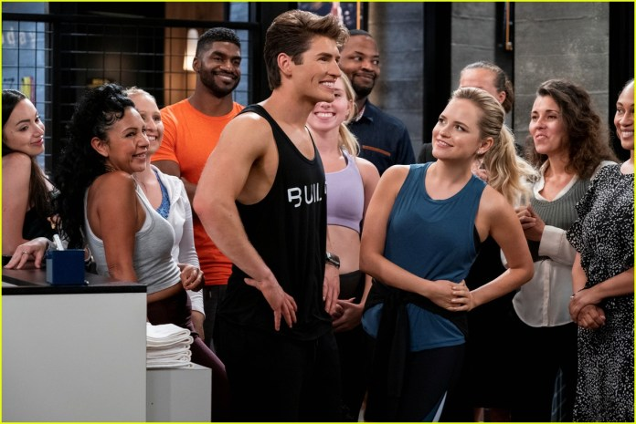 Gregg Sulkin Shows Off Ripped Body In 'Pretty Smart' Trailer with Emily  Osment - Watch Now!: Photo 1324221   Cinthya Carmon, Emily Osment, Gregg  Sulkin, Michael Hsu Rosen, Netflix, Olivia Macklin, Television,