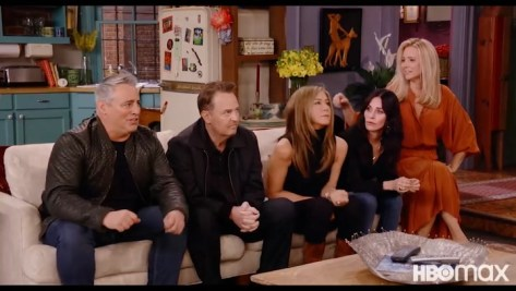 Jennifer Aniston baffles fans with unseen Friends reunion snaps