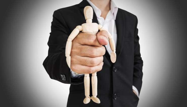 Znate prepoznati čustvene manipulatorje ?