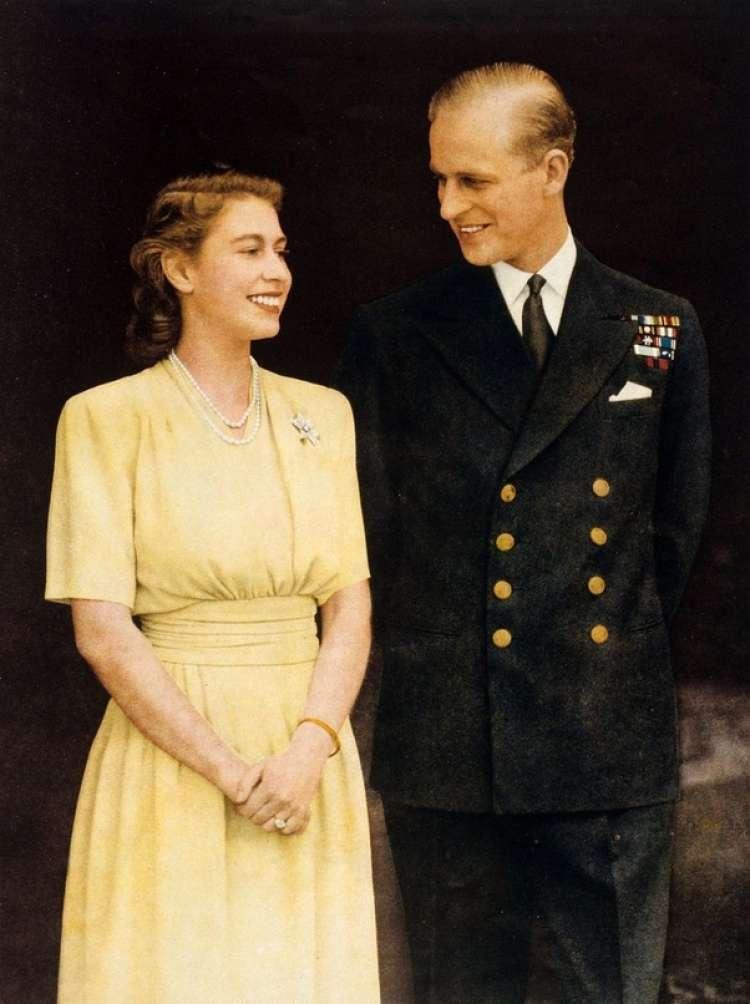 Kraljica Elizabeta in princ Filip poročena če 73 let