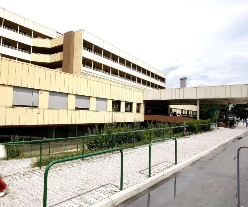 """Novo """"najdišče"""" koronavirusa: celjska bolnišnica in vrtec Tončke Čečeve"""