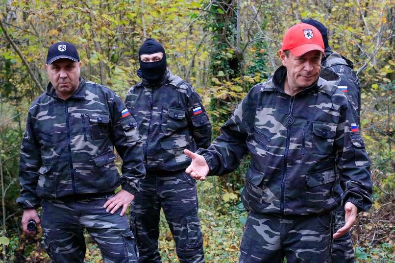 Štajerska varda je obkolila policijsko postajo v Slovenski Bistrici
