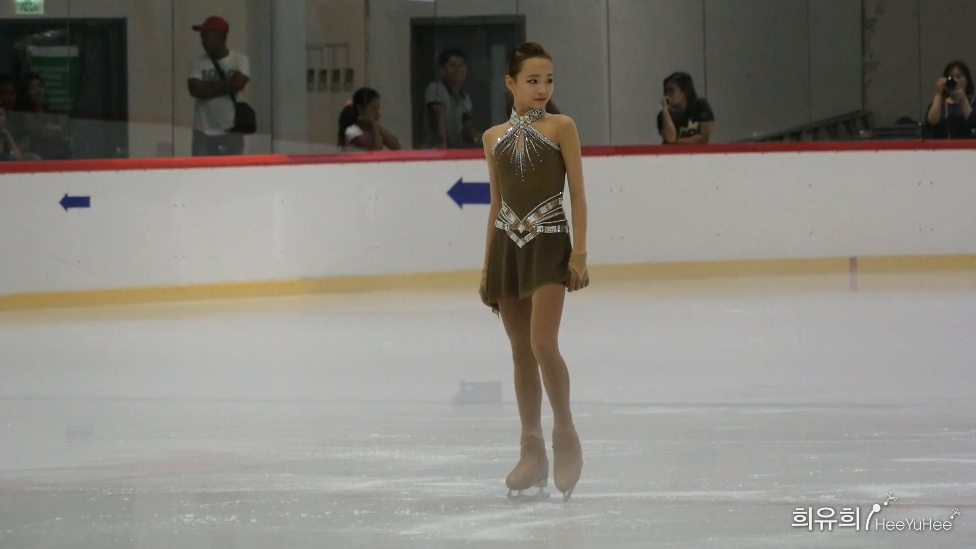 14 Year Old Ice Skater With Irenes Hairstyle Going Viral