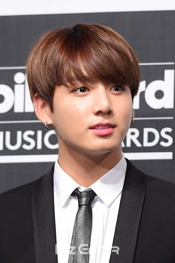 https://i2.wp.com/cdn.koreaboo.com/wp-content/uploads/2017/05/Jungkook-1.jpg