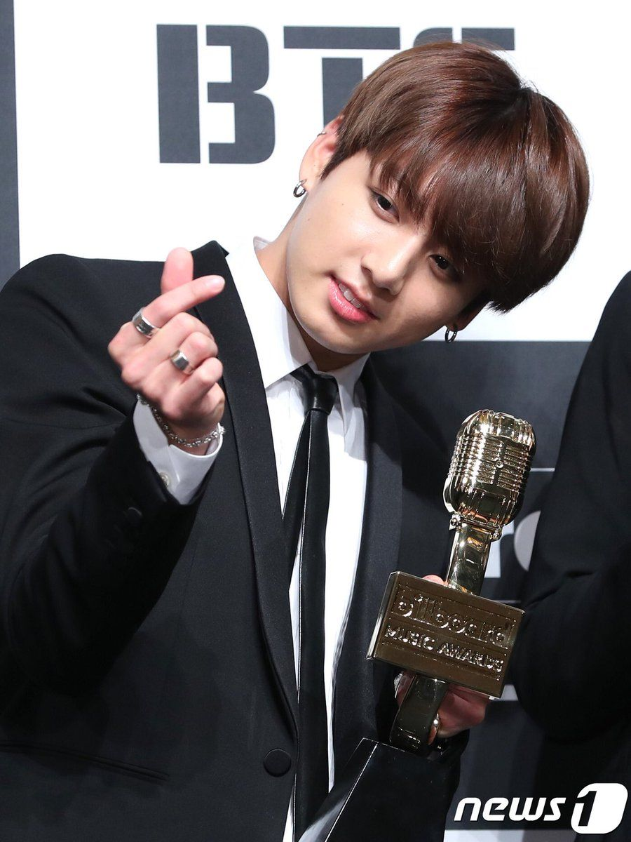 https://i2.wp.com/cdn.koreaboo.com/wp-content/uploads/2017/05/jungkook-3.jpg