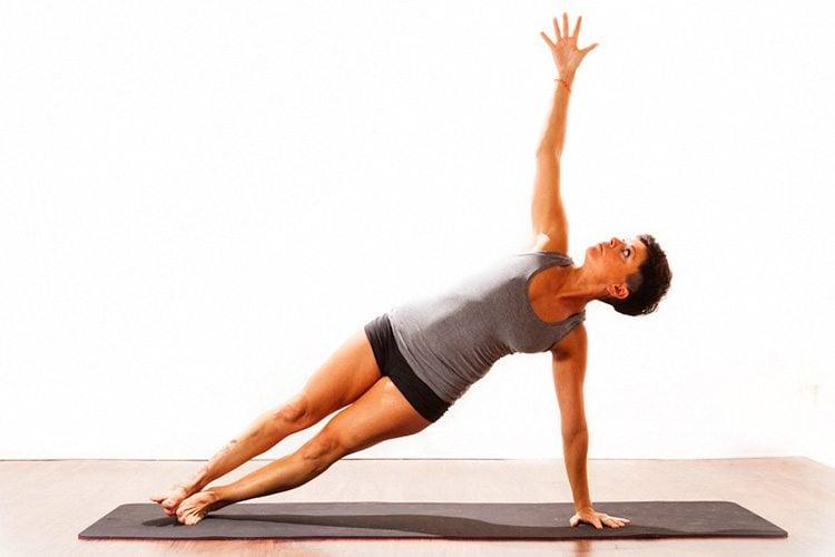 posture-of-yoga-Vasisthasana